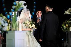 婚礼上父亲与新郎交接 新郎怎么回应