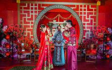 婚礼背景布置选择应该有哪些参考元素?