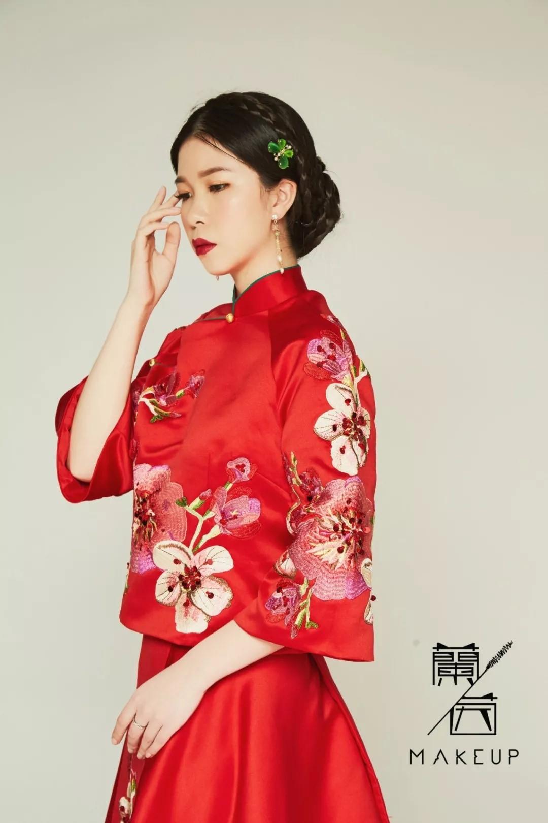 复古中式新娘发型图片4