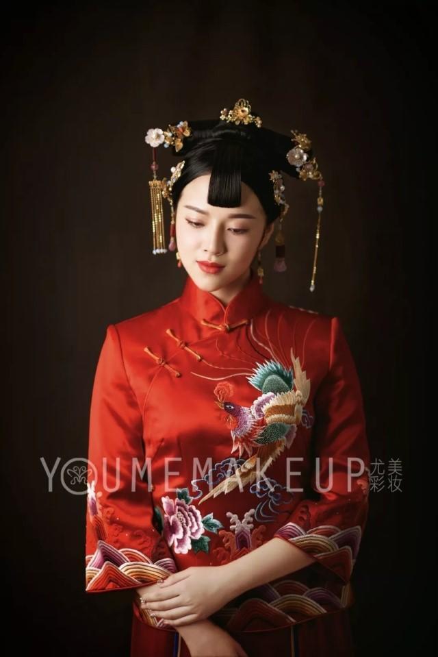 复古中式新娘发型图片6