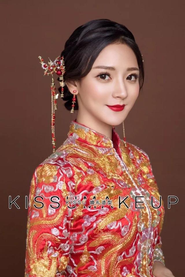 复古中式新娘发型9