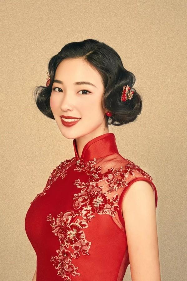 复古中式旗袍新娘发型3