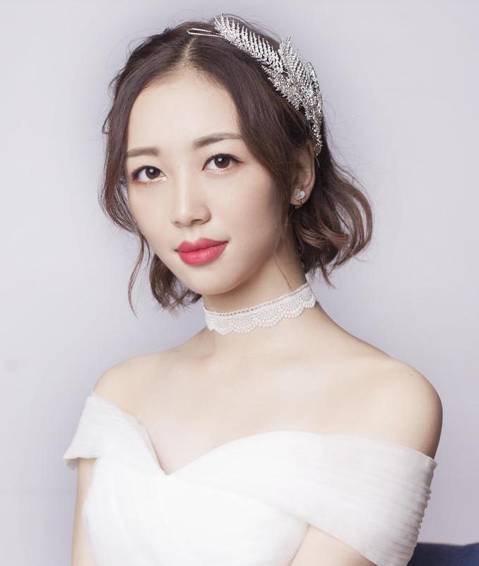 复古敬酒服新娘发型6