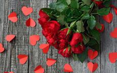 求婚送多少朵玫瑰 求婚送33朵玫瑰合适吗