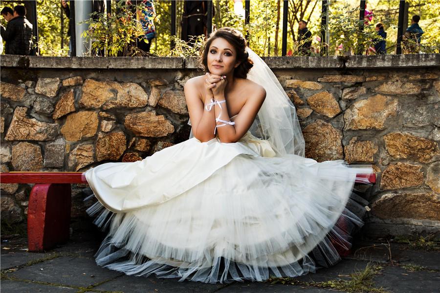 拍婚纱照的新娘