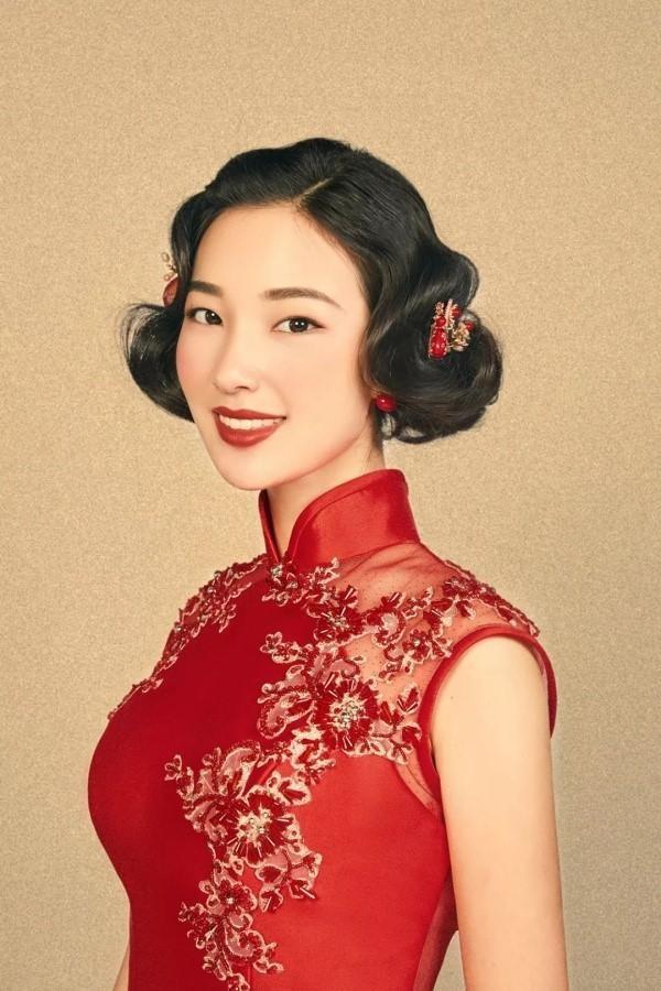 中式礼服简单大方旗袍发型3