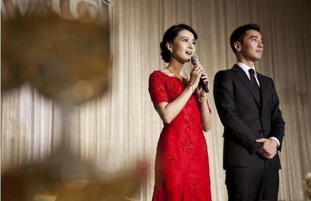 高圆圆红色婚宴晚礼服1