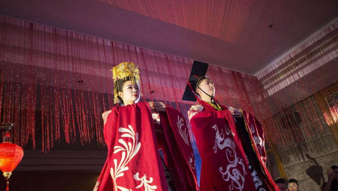 汉朝婚礼服饰2