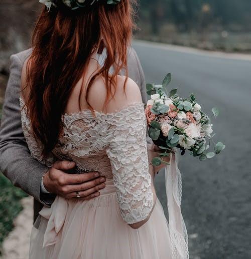 婚礼捧花用假花不吉利是真的吗