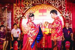 新娘装红色结婚礼服是什么意思 红色婚纱代表什么