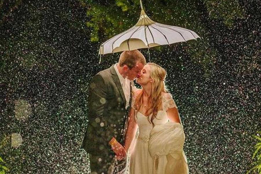 婚礼现场浪漫时刻