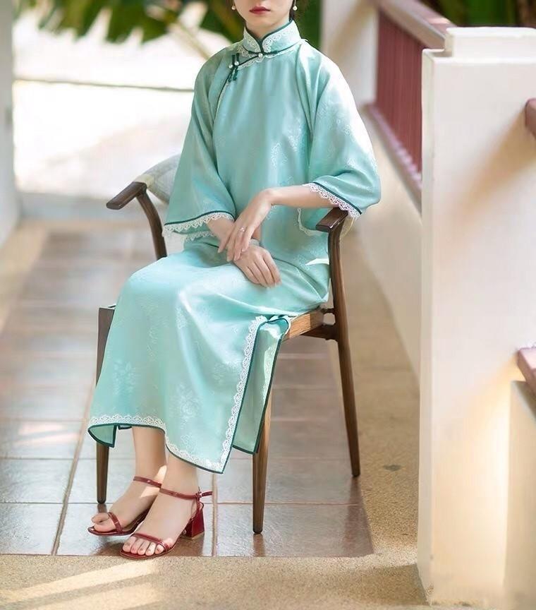 旗袍搭配对比色系鞋子