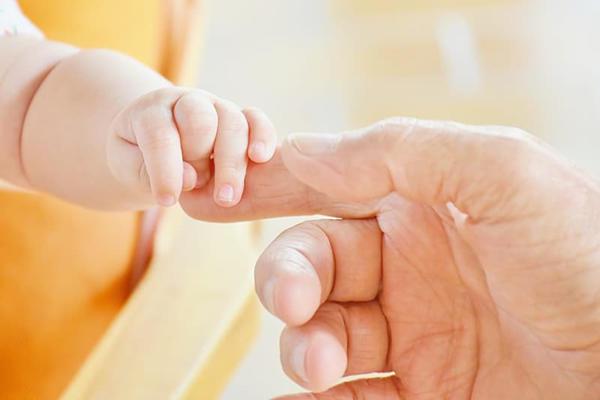 鼠年出生的女宝宝