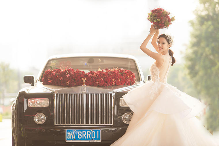 婚车和新娘