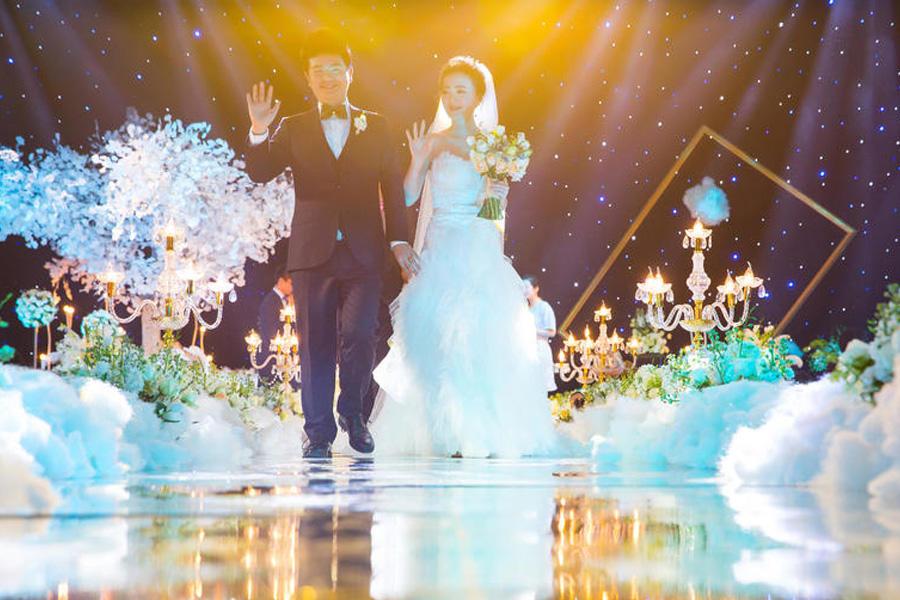 室内浪漫婚礼布置