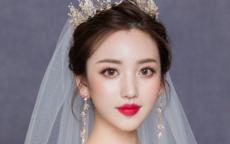 2021流行婚纱头饰图片大全