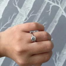 结婚钻戒一般多少钱?买多大?51%的新人都选择…