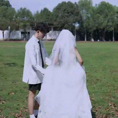 婚纱情侣头像一左一右