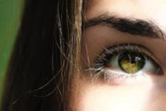 眼膜贴完要洗吗 敷眼膜前需要做哪些准备