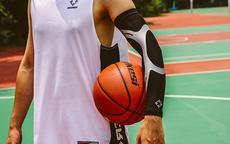 送爱打篮球的男生礼物