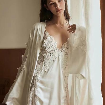 【赠独立胸垫】冰丝性感晨袍蕾丝V领仿真丝吊带睡袍套装