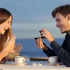情侣聊天怎么找话题  情侣聊天话题大全
