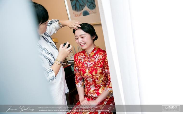 中式婚礼新娘服饰