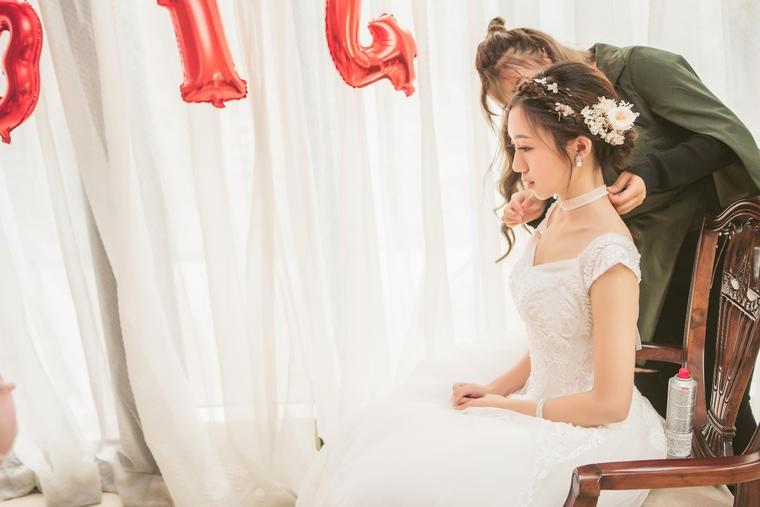 西式婚礼新娘婚纱