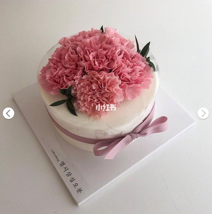 蝴蝶结鲜花蛋糕