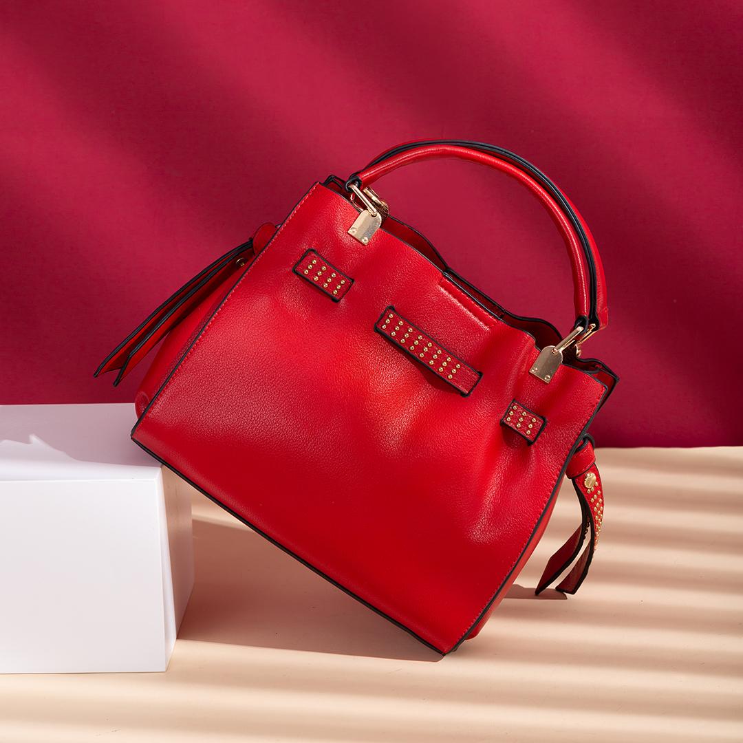 【直播秒杀】铆钉皮带收缩红色新娘包斜挎包