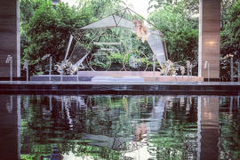 西轩冥想池