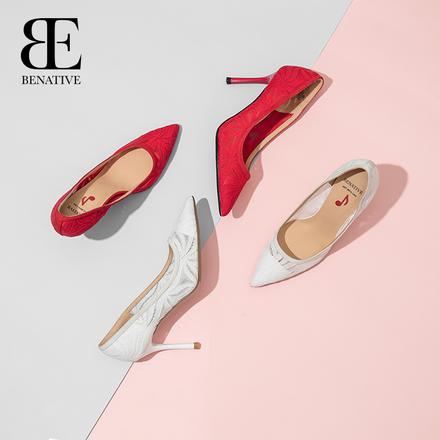 BENATIVE/本那2020新款蕾丝浅口尖头细跟婚鞋