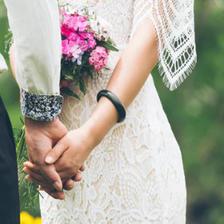创意朋友圈宣布订婚怎么发