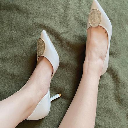 Laber Three仙女单鞋通勤温柔鞋细跟浅口白色婚鞋