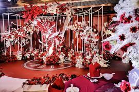 高贵复古红婚礼宫殿