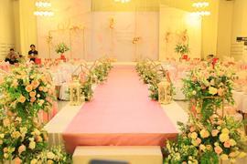 纯情白色三层宴会厅