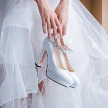 亮片水晶婚鞋女粗跟新娘鞋 超高跟新款绑带防水台婚纱鞋子