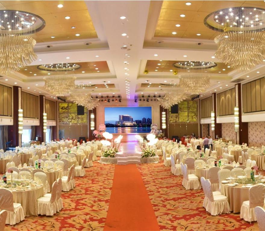 万江南华国际酒店