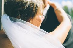 租婚纱包括头饰吗