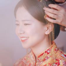 新娘秀禾发型怎么做