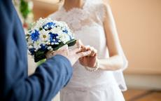 新娘回門禮服穿什么