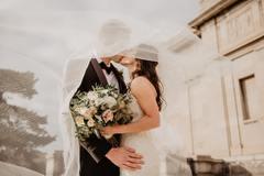 新娘迎宾穿主婚纱吗 迎宾穿什么衣服