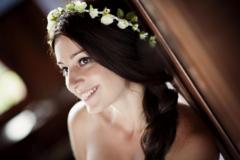 婚礼跟妆师提供头饰吗