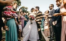 新郎结婚礼服怎么搭配新娘礼服