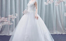农村婚礼新娘选拖尾婚纱还是齐地婚纱
