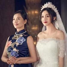 新娘妈妈礼服要几套