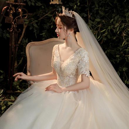 森系气质超仙显瘦V领婚纱