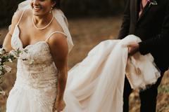上半身丰满的新娘适合什么婚纱礼服