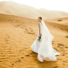 沙漠婚纱照怎么拍?收下这份攻略,美照不愁