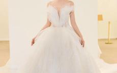 婚纱缎面还是纱的好